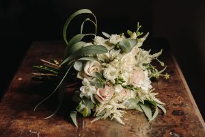 countryside bride bouquet