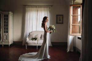 countryside wedding celebration in Tuscany