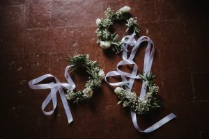 white baby flowers crowns