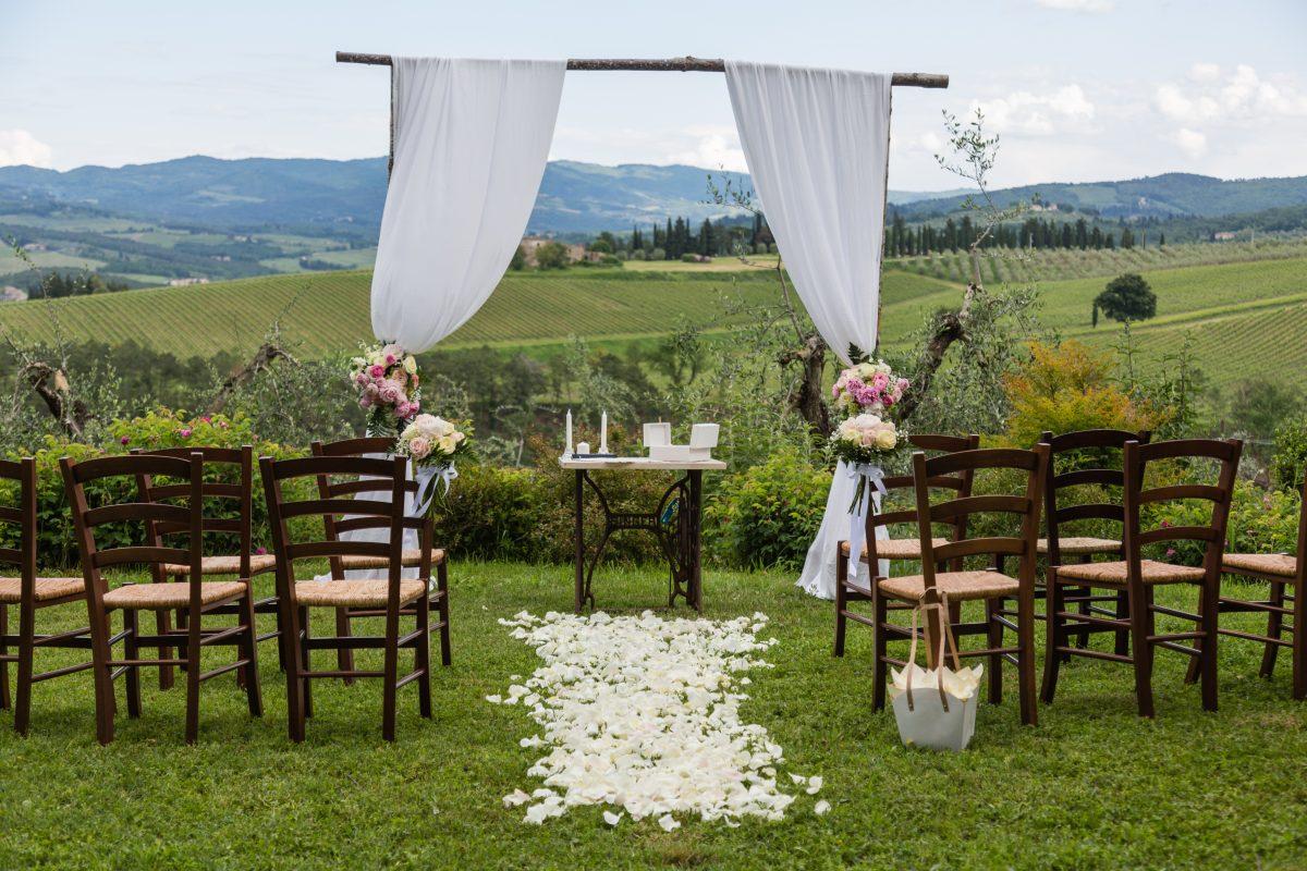 symbolic ceremony in tuscany