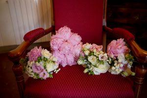 catholic wedding in tuscany - romantic bouquet