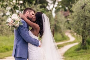romantic destination wedding in chianti