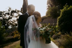Jewish wedding Tuscany - oversize bridal bouquet