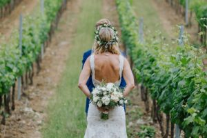 Swedish wedding in tuscany - bridal couple first look