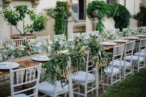 Swedish wedding in tuscany - bride and groom signs