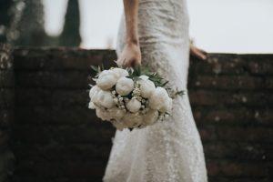 elegant wedding in Florence - white peonies bridal bouquet