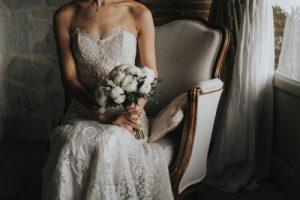 elegant wedding in Florence - bride getting ready