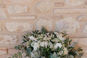 sophisticated wedding in Tuscany - wild bridal bouquet