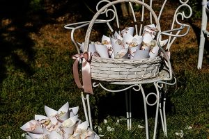 Garden wedding in Florence - wedding confetti