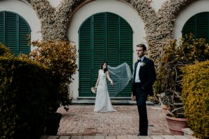 a classy wedding in Florence - romantic couple