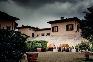 a classy wedding in Florence - tent wedding reception