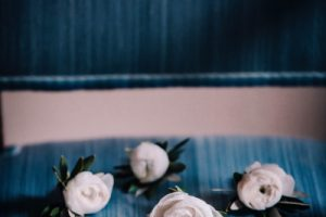 a classy wedding in Florence - ranunculus buttonholes