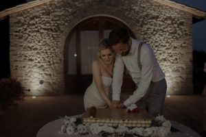 Wedding with a bump in Tuscany - the amazig italian wedding cake millefoglie