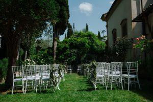 Spring wedding - secret garden ceremony in a city villa