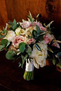 Garden wedding Florence - pastel colour bridal bouquet