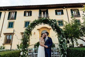 Garden wedding Florence - villa  decoration for the big day