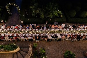 Garden wedding Florence - al fresco dinner in the italian garden