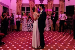 Garden wedding Florence - first dance in the dancing hall