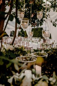 Classy wedding in florence - tables in the courtyard
