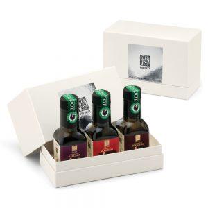olive oil wedding favors - white box Cristina Oro