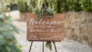 wooden wedding signs - ccalligraphy borad to welcome guestsalligraphy welcome board