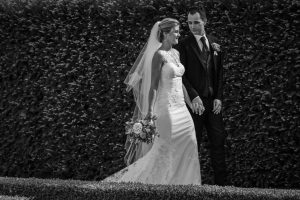 look good wedding pictures - bride and groom in a garden after the ceremony