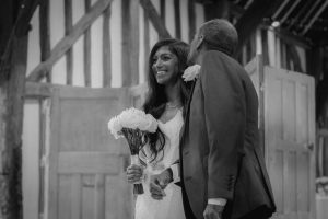 look good wedding pictures - bride with her father