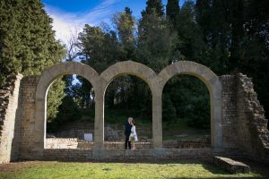 civil elopement florence -newly weds pictures in fiesole