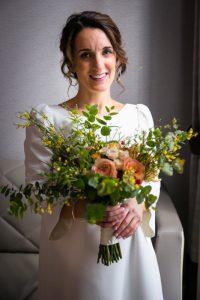 civil elopement florence -fall bride bouquet