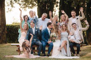 intimate catholic wedding Tuscany - group picture