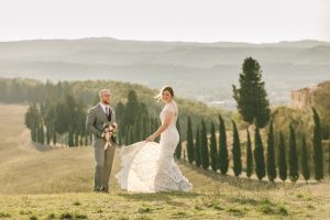 glamorous elopement Italy - countryside couples' picture in florence