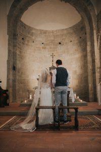 rustic catholic wedding Tuscany - wedding mass in a country church