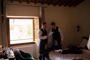 Scottish wedding - Wed in Florence - groom and groosmen getting ready