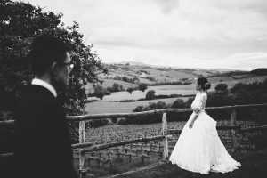 chinese wedding tuscany - wed in florence - bridal portraits overlooking the countryside of siena