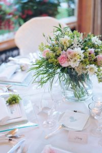 seaside wedding Italy - local flowers centerpieces