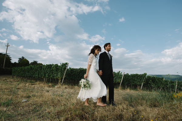 organic wedding - countryside pictures for bride and groom