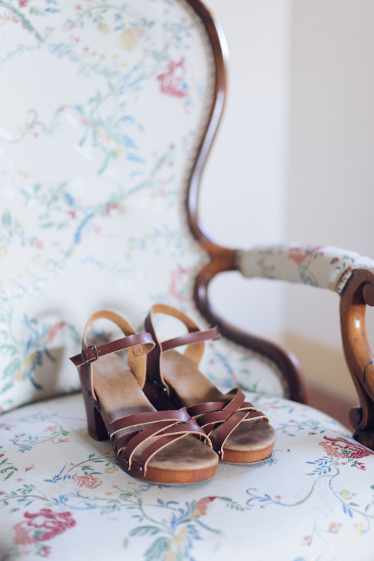 simple wedding - brown bridal shoes