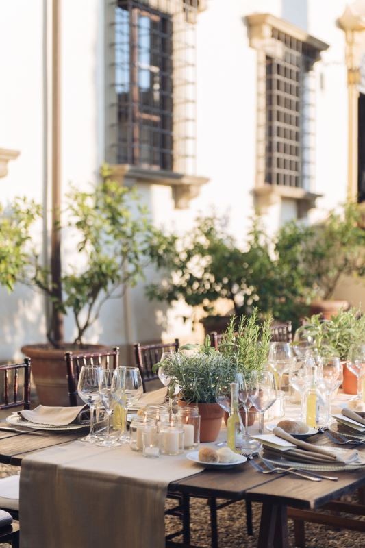 simple wedding - aromatic herbs tablescape